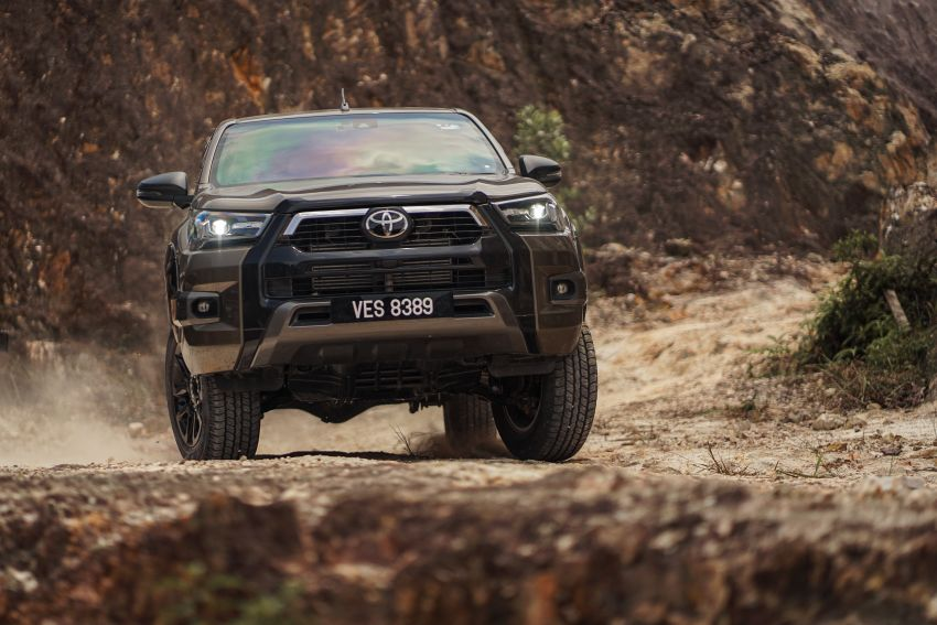 2021 Toyota Hilux facelift launched in M'sia – power bump for 2.8L Rogue, 10k service interval, from RM93k Image #1189565