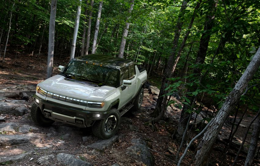 2022 GMC Hummer EV debuts –  three-motor electric pick-up truck with 1,000 hp and 15,591 Nm of torque! Image #1195958