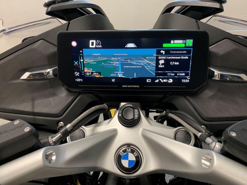 2021 BMW Motorrad R1250RT sports-tourer updated Image #1195150