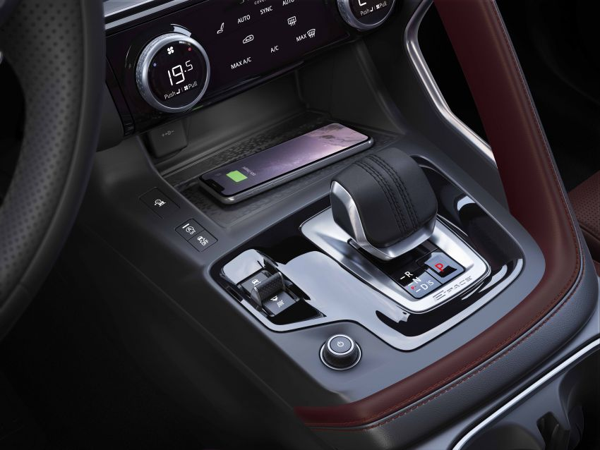2021 Jaguar E-Pace – 309 PS 1.5L three-cylinder PHEV, 1.5L and 2.0L MHEVs; revised exterior and interior Image #1200974