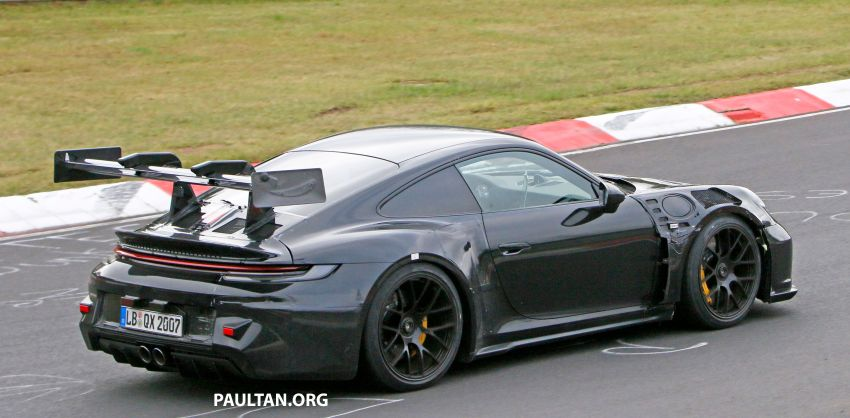 SPIED: 992 Porsche 911 GT3 RS goes track testing Image #1194372