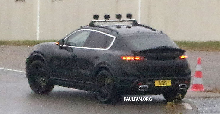 SPYSHOTS: All-electric Porsche Macan spotted testing Image #1195737