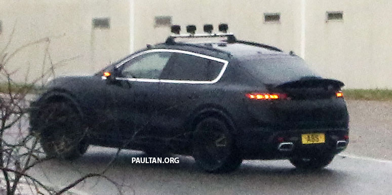 SPYSHOTS: All-electric Porsche Macan spotted testing Image #1195736
