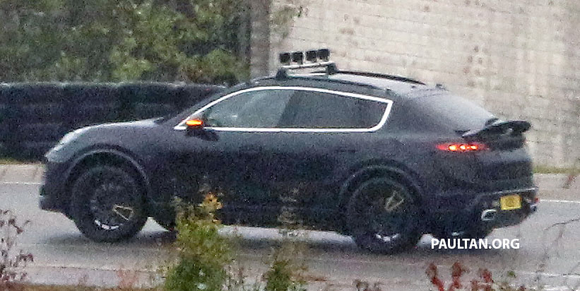 SPYSHOTS: All-electric Porsche Macan spotted testing Image #1195735