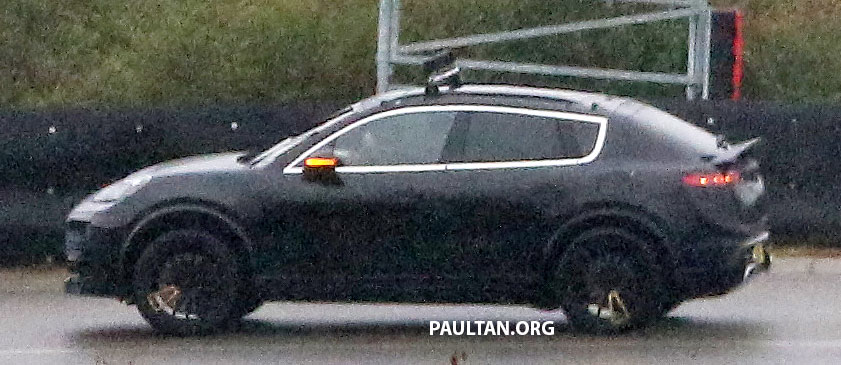 SPYSHOTS: All-electric Porsche Macan spotted testing Image #1195734