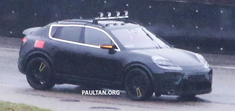 SPYSHOTS: All-electric Porsche Macan spotted testing Image #1195733