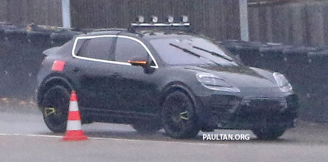 SPYSHOTS: All-electric Porsche Macan spotted testing Image #1195732