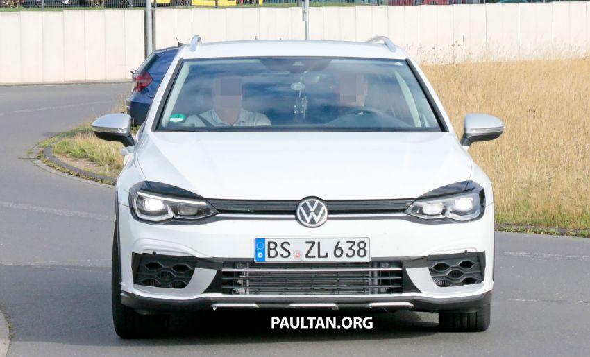 Volkswagen Golf R Mk8 teased ahead of Nov 4 debut Image #1194247
