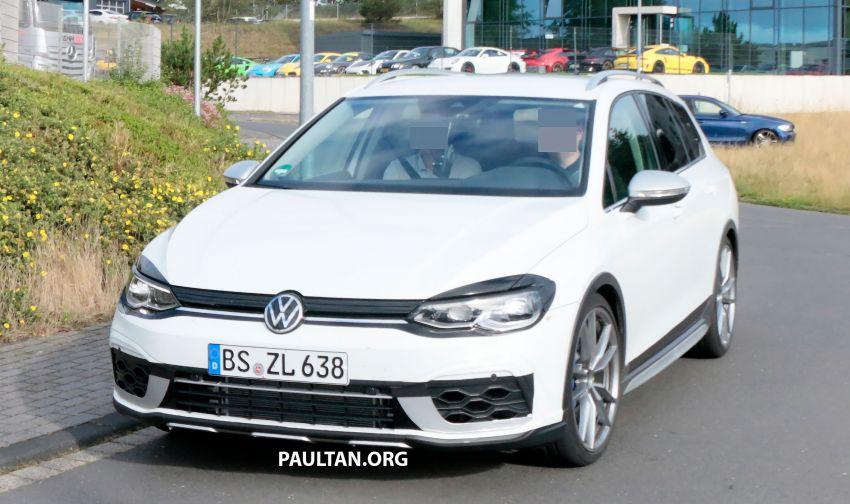 Volkswagen Golf R Mk8 teased ahead of Nov 4 debut Image #1194248