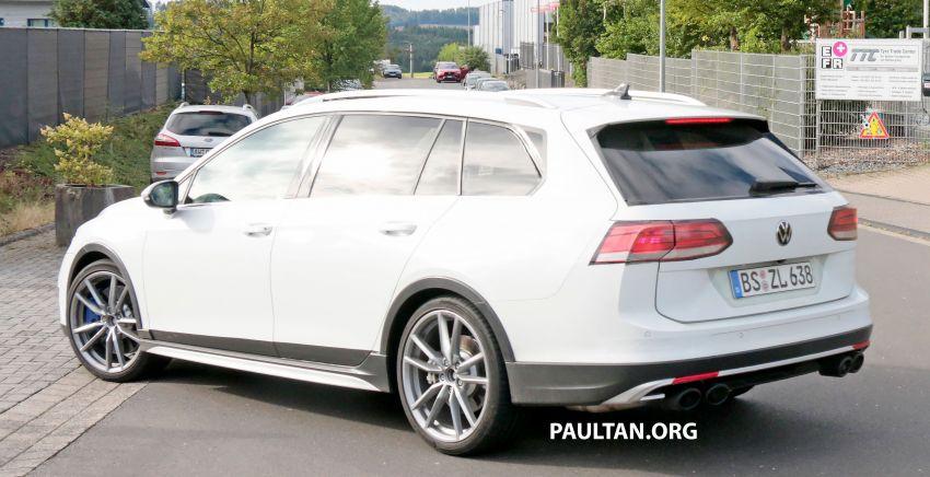 Volkswagen Golf R Mk8 teased ahead of Nov 4 debut Image #1194255