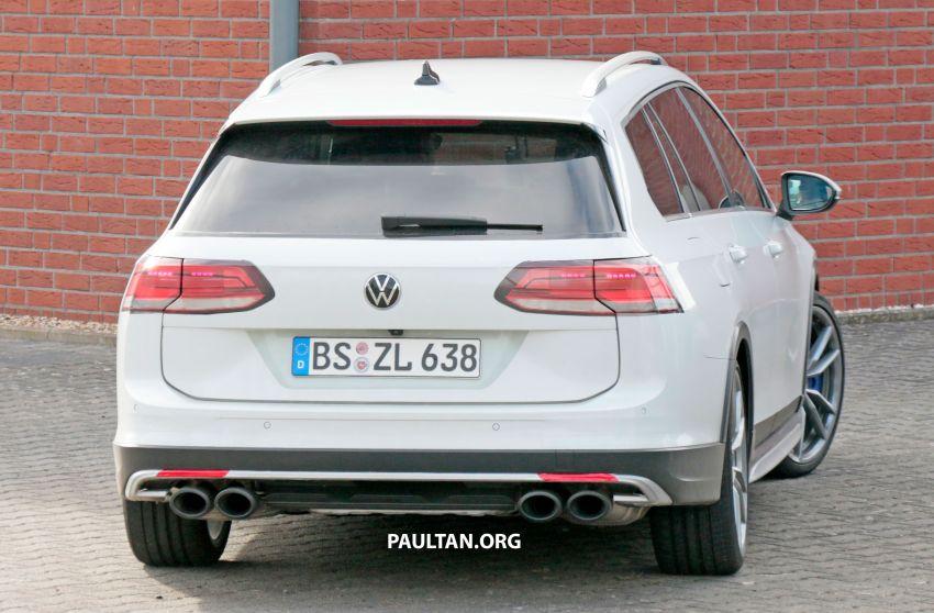 Volkswagen Golf R Mk8 teased ahead of Nov 4 debut Image #1194260