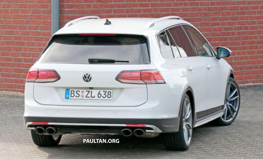 Volkswagen Golf R Mk8 teased ahead of Nov 4 debut Image #1194261