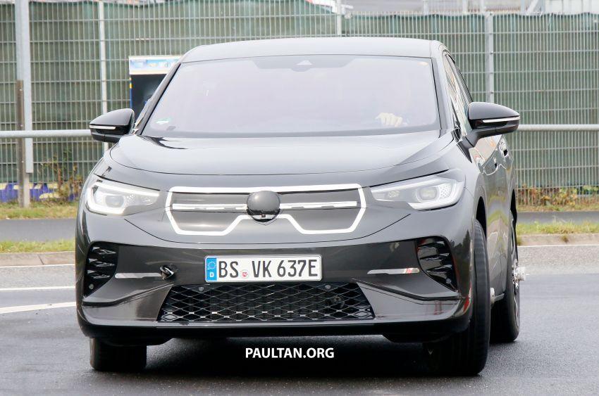SPYSHOTS: Volkswagen ID.4 coupe/ID.5 seen testing Image #1194568