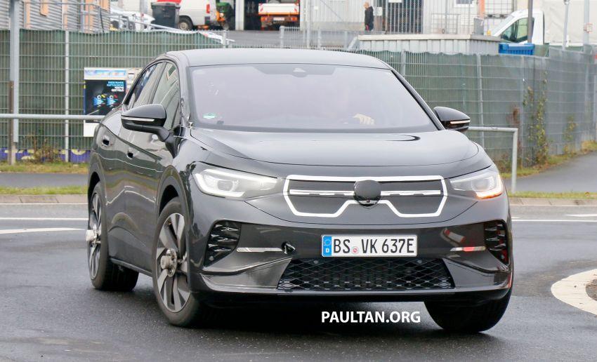 SPYSHOTS: Volkswagen ID.4 coupe/ID.5 seen testing Image #1194566