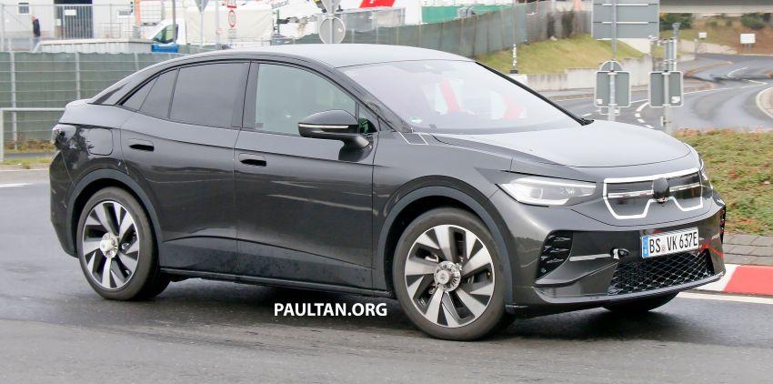 SPYSHOTS: Volkswagen ID.4 coupe/ID.5 seen testing Image #1194562