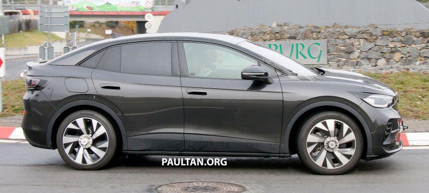SPYSHOTS: Volkswagen ID.4 coupe/ID.5 seen testing Image #1194560