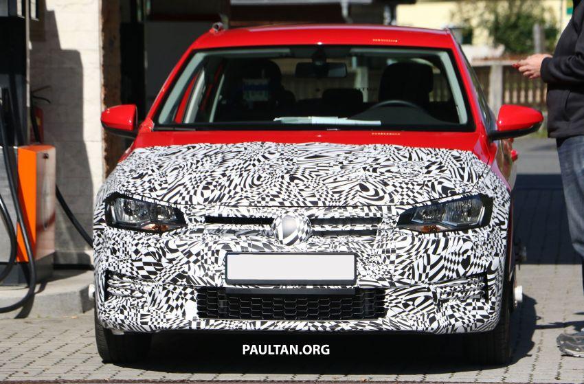 SPYSHOTS: Volkswagen Polo Mk6 facelift seen testing Image #1190061