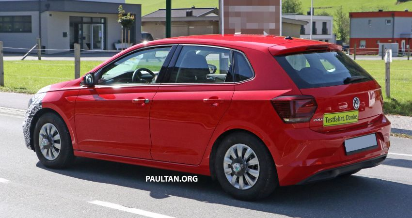 SPYSHOTS: Volkswagen Polo Mk6 facelift seen testing Image #1190072