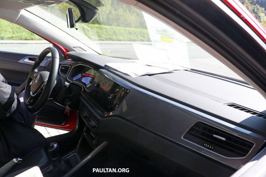 SPYSHOTS: Volkswagen Polo Mk6 facelift seen testing Image #1190062