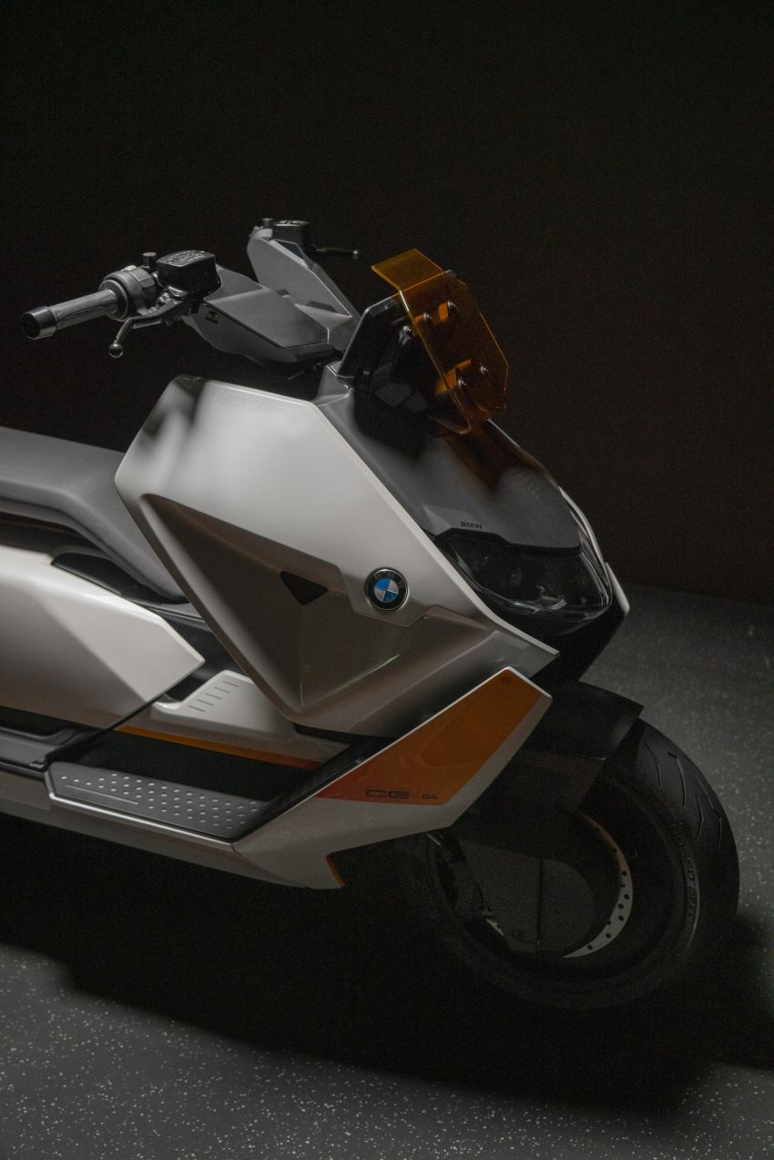 BMW Motorrad introduces Definition CE 04 e-scooter Image #1208051