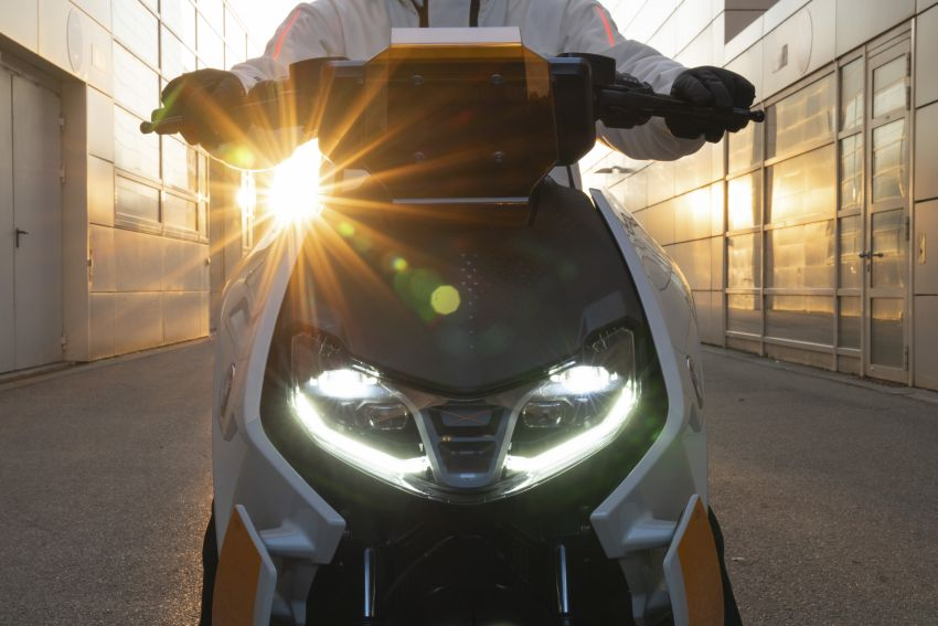 BMW Motorrad introduces Definition CE 04 e-scooter Image #1208033
