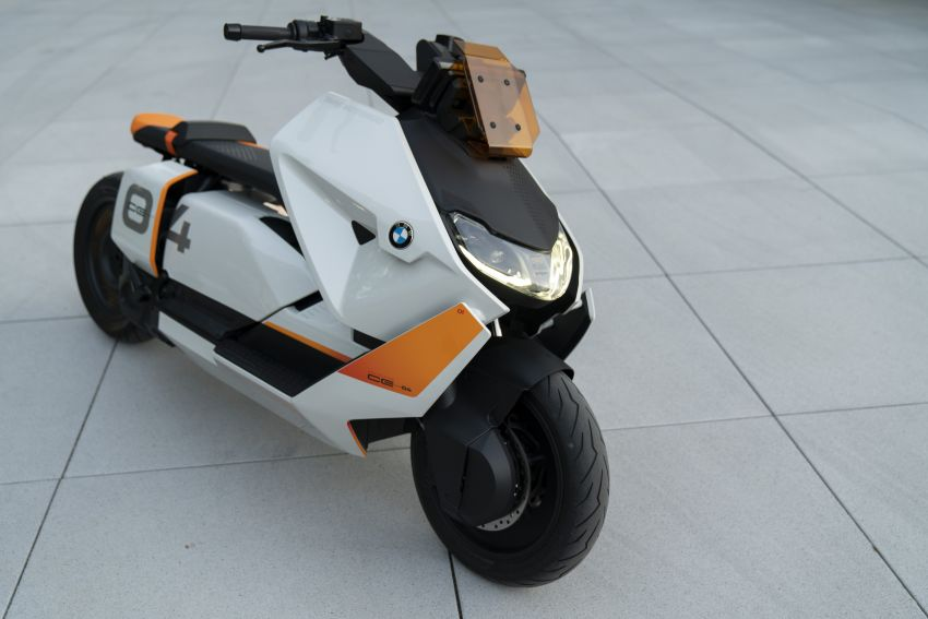 BMW Motorrad introduces Definition CE 04 e-scooter Image #1208035