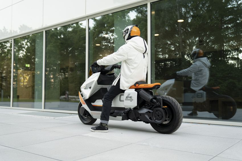 BMW Motorrad introduces Definition CE 04 e-scooter Image #1208038