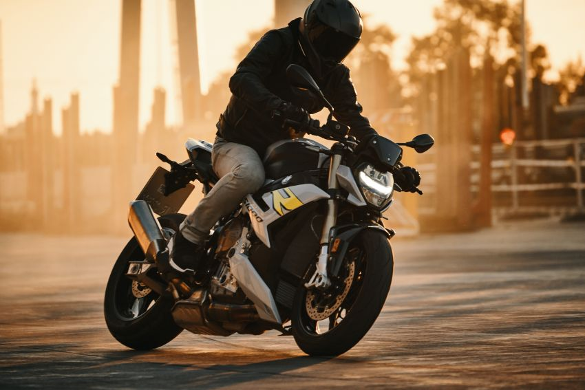2021 BMW Motorrad S1000R revealed – 165 hp, 115 Nm Image #1214412