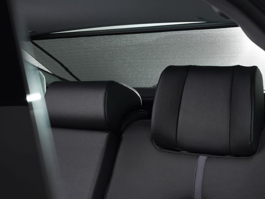 Toyota Camry Hybrid facelift debuts in Europe – larger infotainment display, expanded Toyota Safety Sense Image #1215368