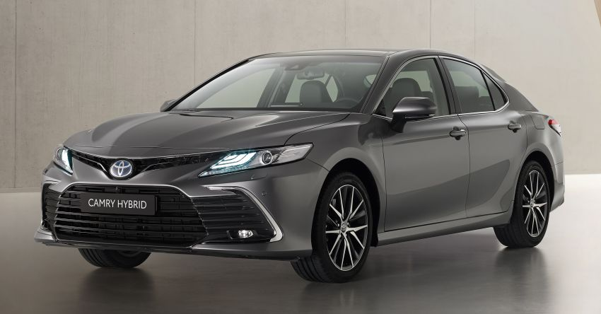 Toyota Camry Hybrid facelift debuts in Europe – larger infotainment display, expanded Toyota Safety Sense Image #1215389
