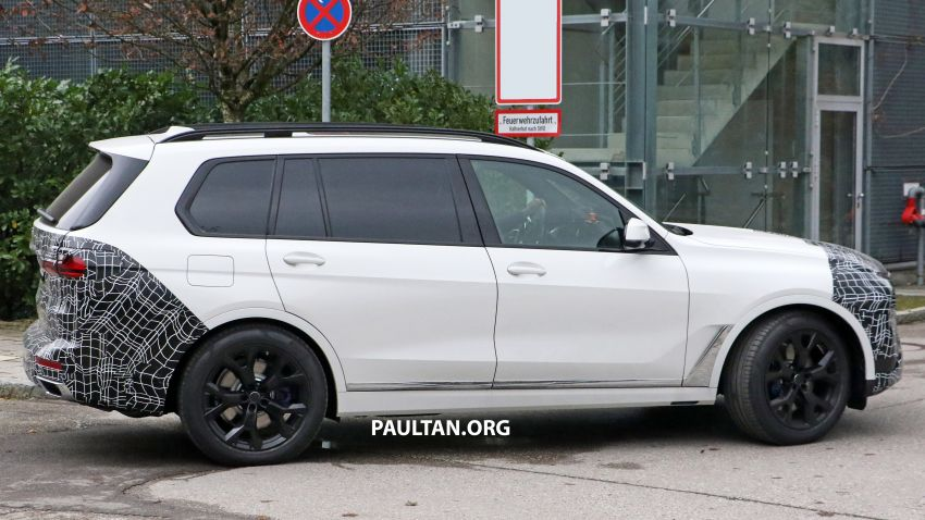 SPYSHOTS: BMW X7 facelift shows radical new look Image #1218462