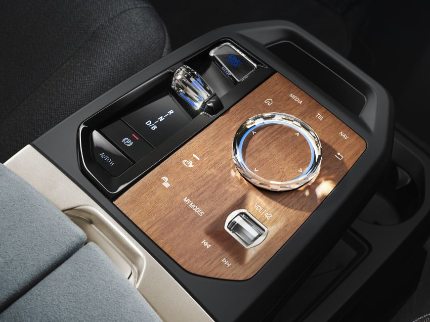BMW iX revealed – iNEXT electric SUV gets a name and more than 500 PS, 600 km range; coming late-2021 Image #1208211
