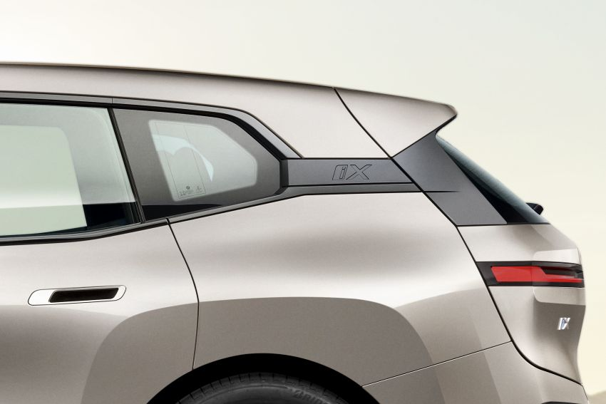BMW iX revealed – iNEXT electric SUV gets a name and more than 500 PS, 600 km range; coming late-2021 Image #1208218