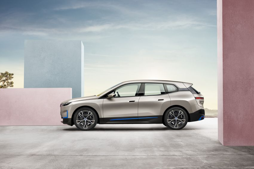 BMW iX revealed – iNEXT electric SUV gets a name and more than 500 PS, 600 km range; coming late-2021 Image #1208219