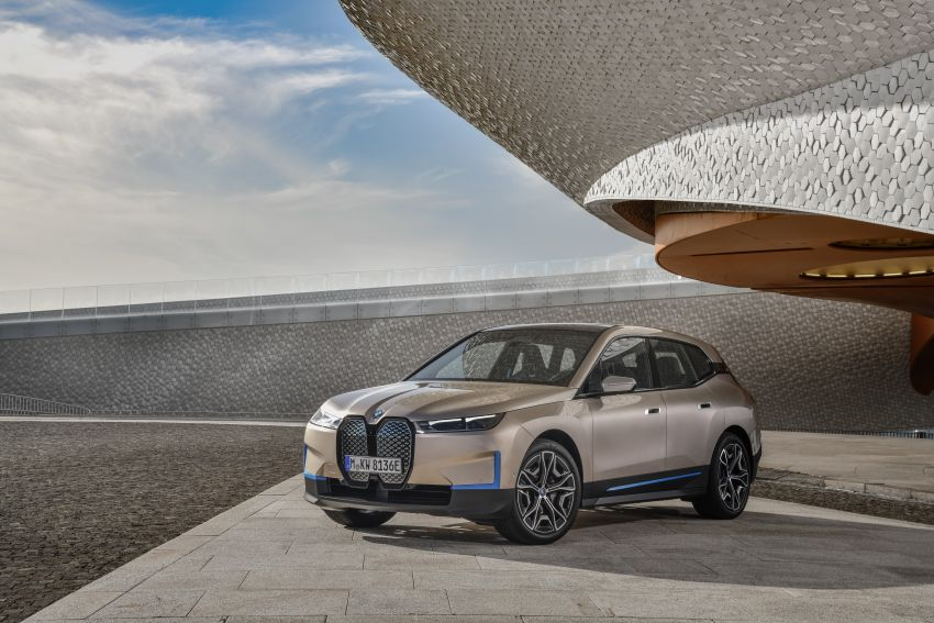 BMW iX revealed – iNEXT electric SUV gets a name and more than 500 PS, 600 km range; coming late-2021 Image #1208234