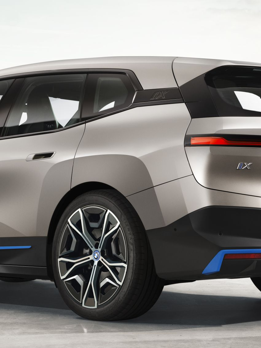 BMW iX revealed – iNEXT electric SUV gets a name and more than 500 PS, 600 km range; coming late-2021 Image #1208195