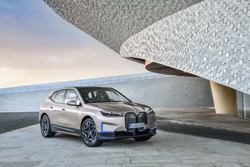 BMW iX revealed – iNEXT electric SUV gets a name and more than 500 PS, 600 km range; coming late-2021 Image #1208235