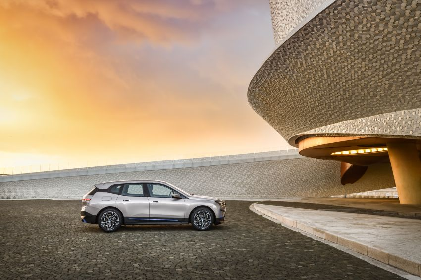 BMW iX revealed – iNEXT electric SUV gets a name and more than 500 PS, 600 km range; coming late-2021 Image #1208239
