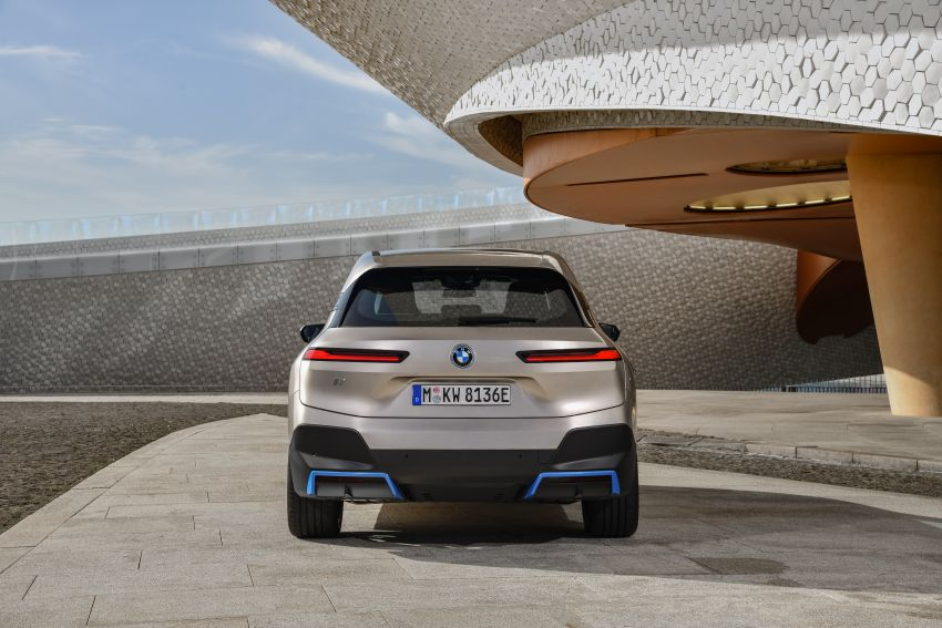 BMW iX revealed – iNEXT electric SUV gets a name and more than 500 PS, 600 km range; coming late-2021 Image #1208242
