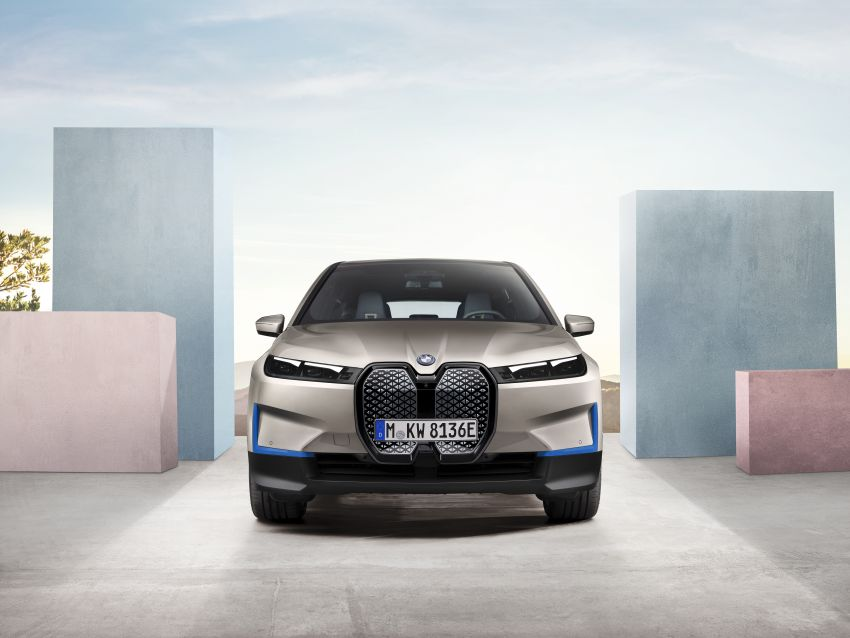 BMW iX revealed – iNEXT electric SUV gets a name and more than 500 PS, 600 km range; coming late-2021 Image #1208199