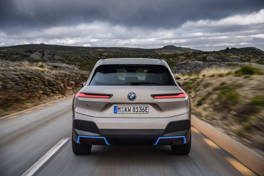 BMW iX revealed – iNEXT electric SUV gets a name and more than 500 PS, 600 km range; coming late-2021 Image #1208259