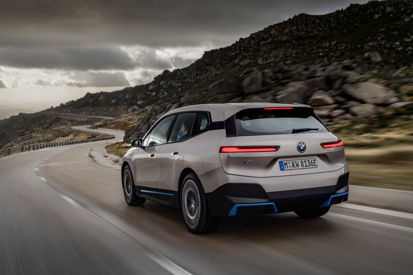 BMW iX revealed – iNEXT electric SUV gets a name and more than 500 PS, 600 km range; coming late-2021 Image #1208262