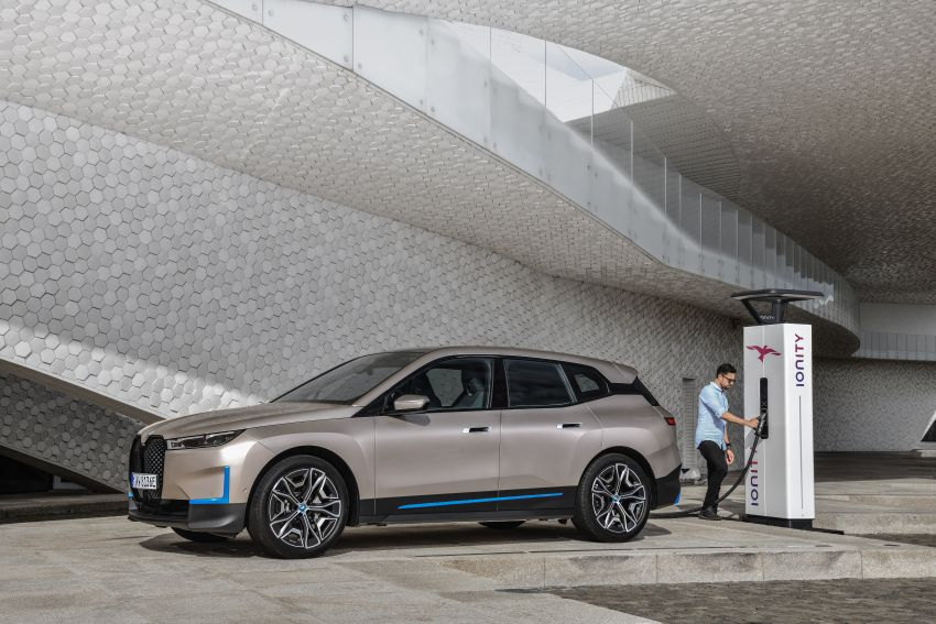 BMW iX revealed – iNEXT electric SUV gets a name and more than 500 PS, 600 km range; coming late-2021 Image #1208263