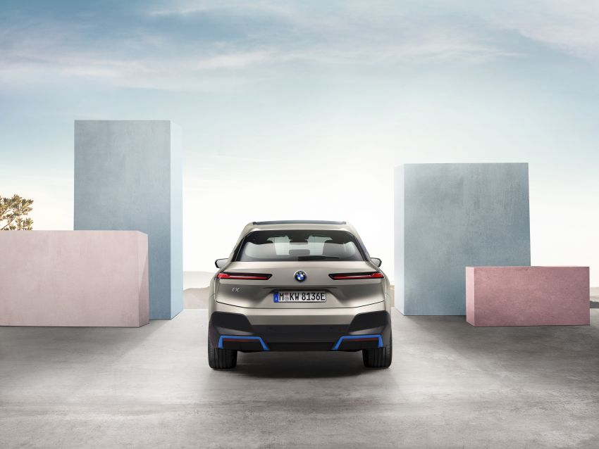 BMW iX revealed – iNEXT electric SUV gets a name and more than 500 PS, 600 km range; coming late-2021 Image #1208201