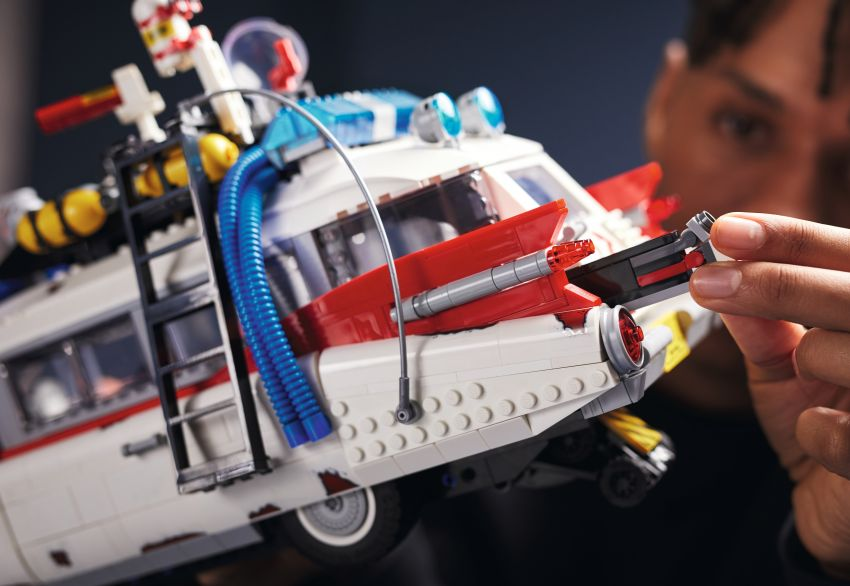 Lego Ghostbusters ECTO-1 – 2,352 pieces, US$199 Image #1204948