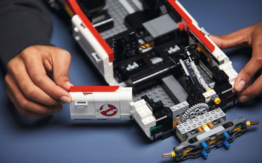 Lego Ghostbusters ECTO-1 – 2,352 pieces, US$199 Image #1204950