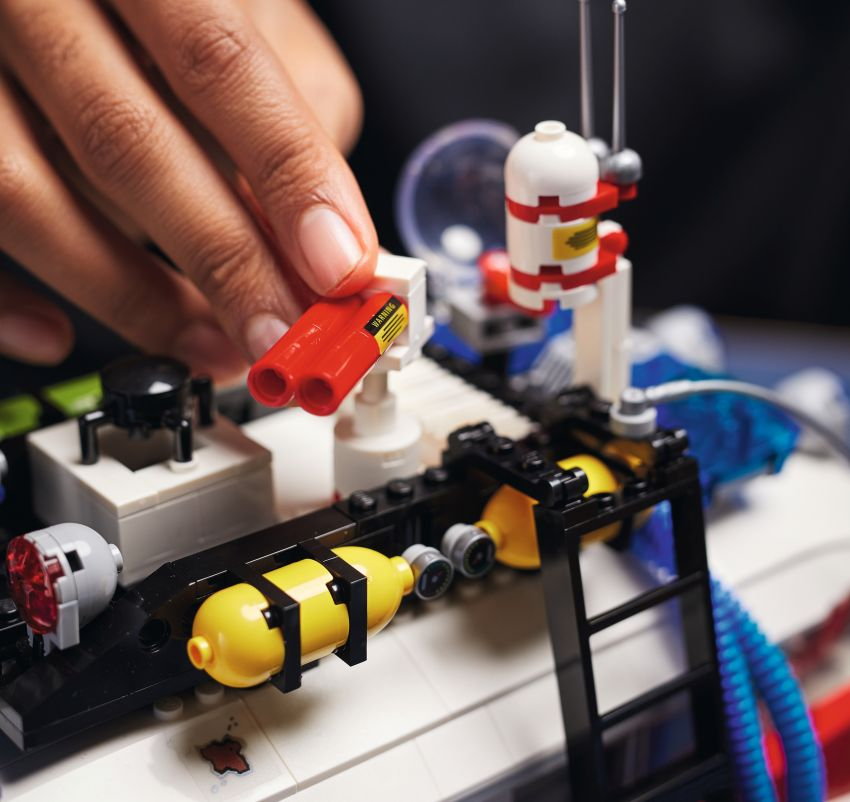 Lego Ghostbusters ECTO-1 – 2,352 pieces, US$199 Image #1204954