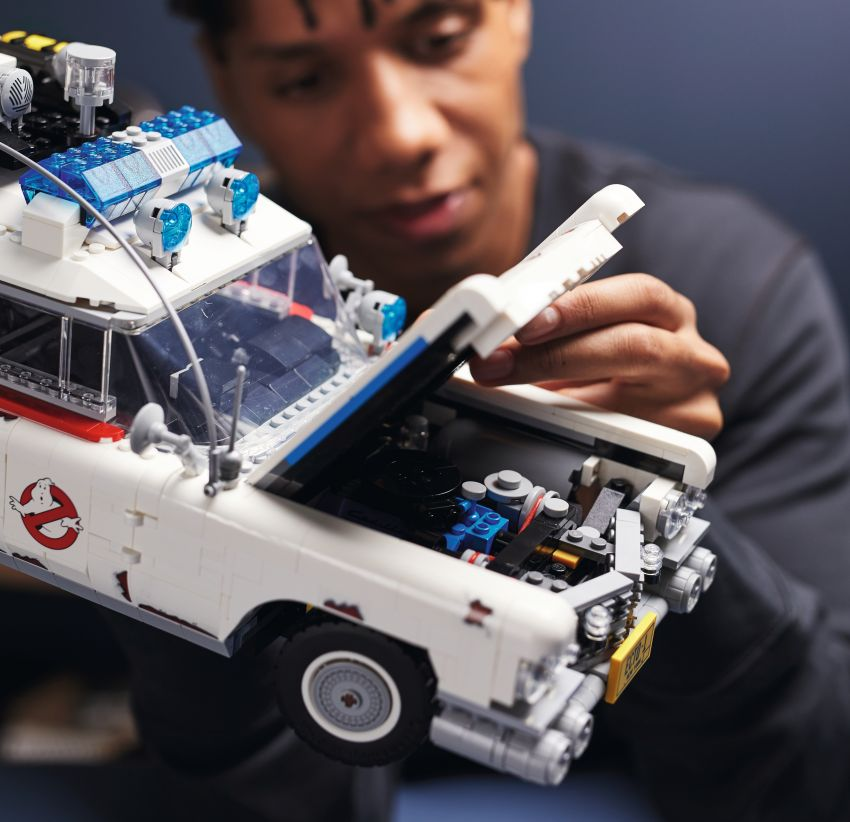 Lego Ghostbusters ECTO-1 – 2,352 pieces, US$199 Image #1204956