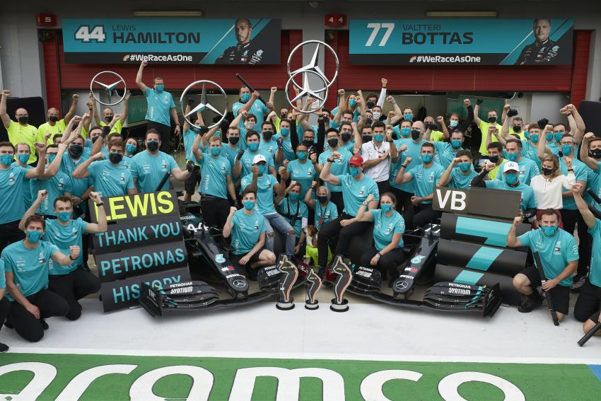 Mercedes AMG Petronas clinches 7th straight F1 titles Image #1202295