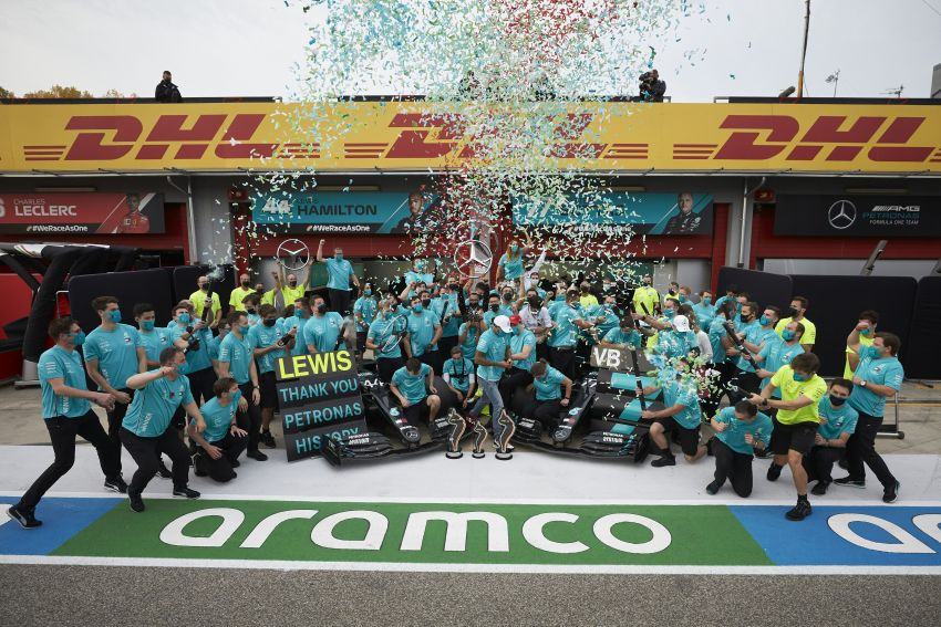 Mercedes AMG Petronas clinches 7th straight F1 titles Image #1202296
